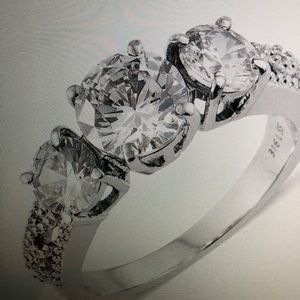 Jewelry - TRILOGY RING